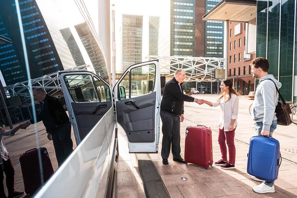 Der Unterschied zwischen einem Taxi und Airport Shuttle Frankfurt